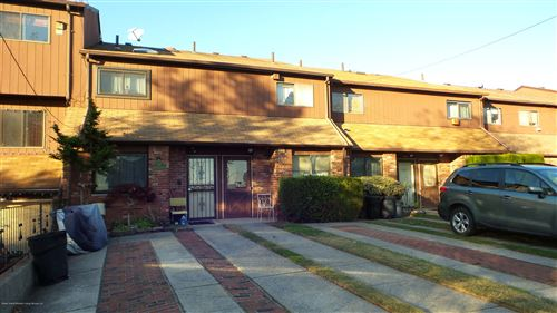 Photo of 983 W Fingerboard Road, Staten Island, NY 10305 (MLS # 1133627)