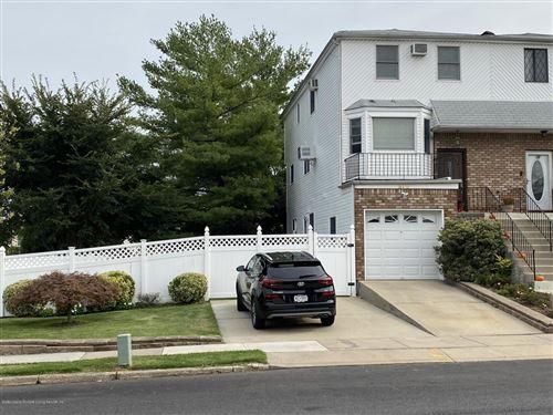 Photo of 375 Klondike Avenue, Staten Island, NY 10314 (MLS # 1140633)