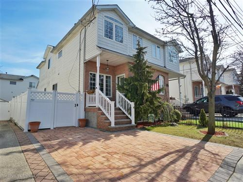 Photo of 91 Harris Lane, Staten Island, NY 10309 (MLS # 1136641)