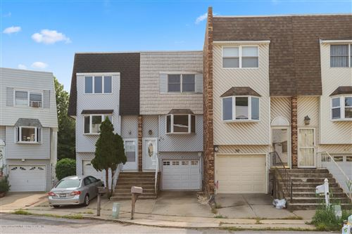 Photo of 54 Daffodil Court, Staten Island, NY 10312 (MLS # 1140643)