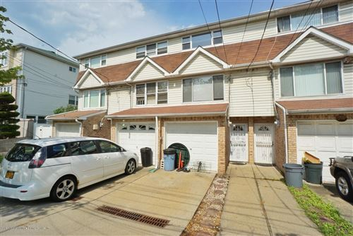 Photo of 289 Wingham St, Staten Island, NY 10305 (MLS # 1140665)