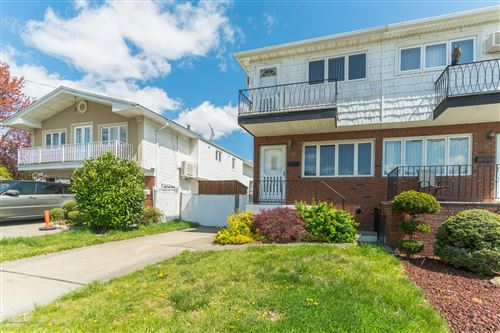 Photo of 7 Thayer Place, Staten Island, NY 10306 (MLS # 1136668)
