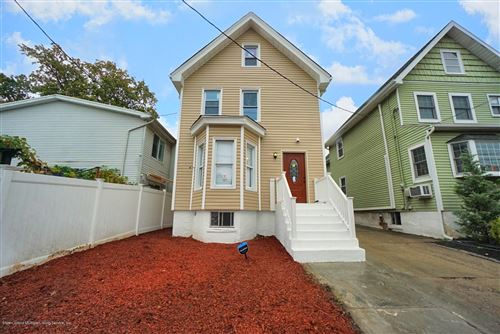 Photo of 317 Morningstar Road, Staten Island, NY 10303 (MLS # 1141698)