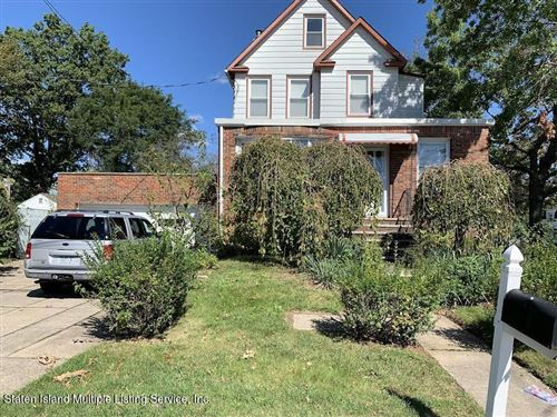 Photo of 19 Sideview Avenue, Staten Island, NY 10314 (MLS # 1149733)