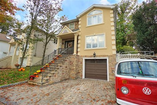 Photo of 11 Oceanview Place, Staten Island, NY 10308 (MLS # 1141778)