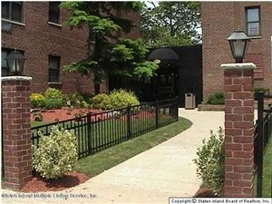 Photo of 145 Lincoln 6-H Avenue #6-H, Staten Island, NY 10306 (MLS # 1133783)
