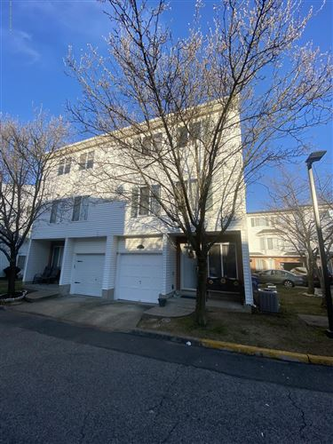 Photo of 343 Aspen Knolls Way, Staten Island, NY 10312 (MLS # 1135810)