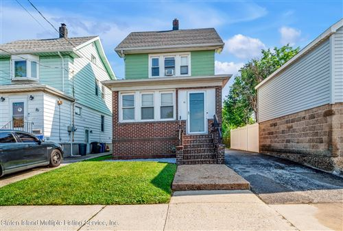 Photo of 81 Murdock Place, Staten Island, NY 10303 (MLS # 1146822)