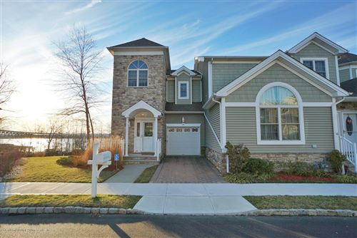 Photo of 14 Pilot Lane, Staten Island, NY 10309 (MLS # 1135828)