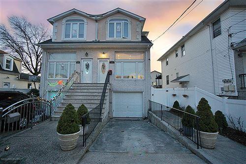 Photo of 26 Winfield Street, Staten Island, NY 10305 (MLS # 1134855)