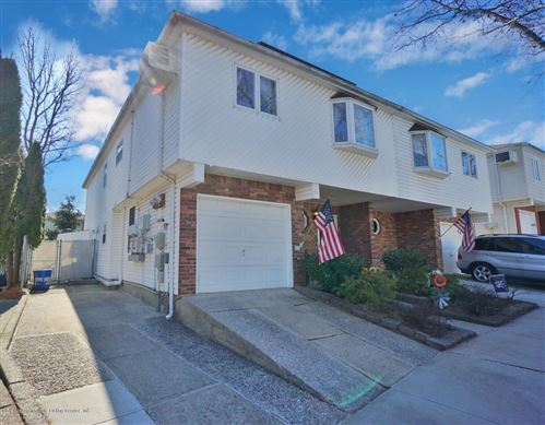 Photo of 68 Marisa Circle, Staten Island, NY 10309 (MLS # 1135872)