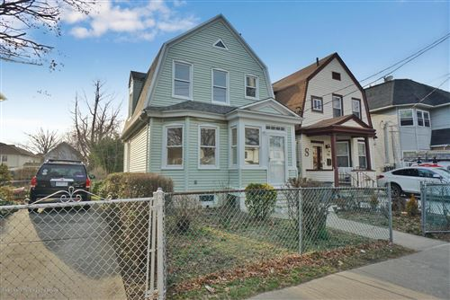 Photo of 118 Elm Street, Staten Island, NY 10310 (MLS # 1136874)