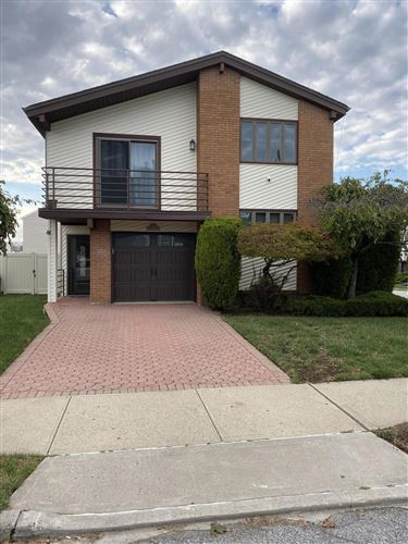 Photo of 25 Denker Place, Staten Island, NY 10314 (MLS # 1140877)