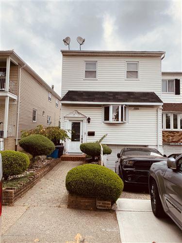 Photo of 25 Birch Road, Staten Island, NY 10303 (MLS # 1140881)