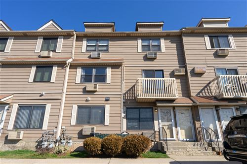 Photo of 116a Lamped Loop, Staten Island, NY 10314 (MLS # 1140884)
