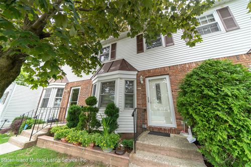 Photo of 518 Golfview Court, Staten Island, NY 10314 (MLS # 1146928)