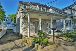 Photo of 145 Burgher Avenue, Staten Island, NY 10304 (MLS # 1128937)
