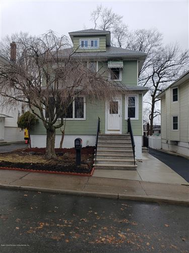 Photo of 198 Mountainview Avenue, Staten Island, NY 10314 (MLS # 1135938)