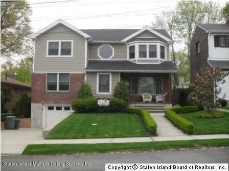 Photo of 699 Pelton Avenue, Staten Island, NY 10310 (MLS # 1143939)