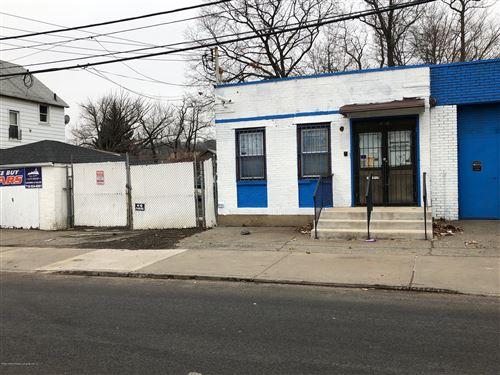 Photo of 496 Mosel Avenue, Staten Island, NY 10304 (MLS # 1134943)
