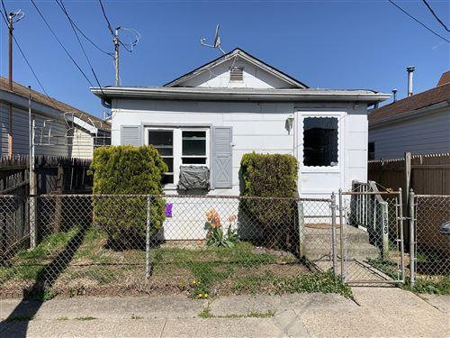 Photo of 1089 Olympia Boulevard, Staten Island, NY 10306 (MLS # 1145947)