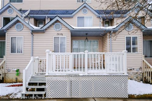 Photo of 40 Winding Woods Loop, Staten Island, NY 10307 (MLS # 1143973)