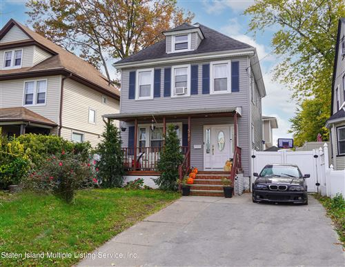 Photo of 586 Henderson Avenue, Staten Island, NY 10310 (MLS # 1149985)