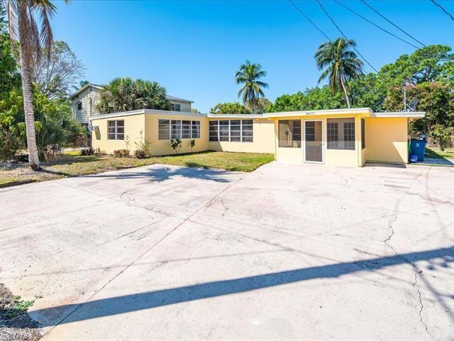 24519 Dolphin ST, Bonita Springs, FL 34134 - #: 221054002