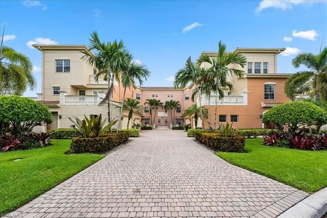 592 Avellino Isles CIR #301, Naples, FL 34119 - #: 221053027