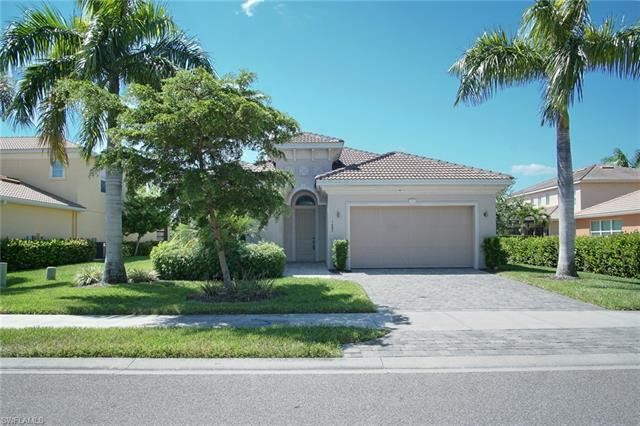 Photo of 1685 Serrano CIR, NAPLES, FL 34105 (MLS # 221074035)