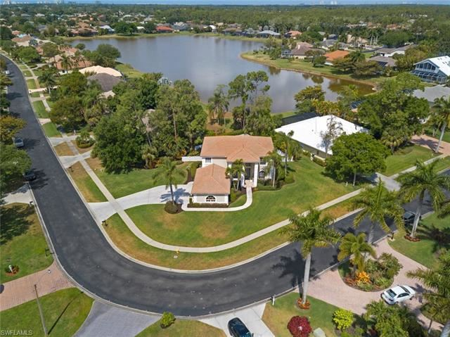 2066 Imperial CIR, Naples, FL 34110 - #: 221024038