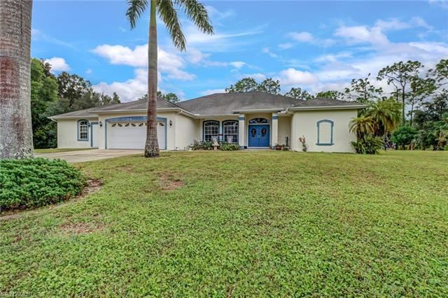 10400 MARLIN LN, Bonita Springs, FL 34135 - #: 220072049