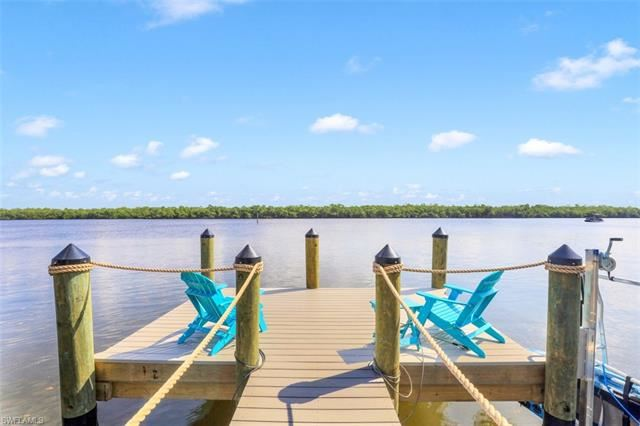 220 Hibiscus DR, Fort Myers Beach, FL 33931 - #: 221064049