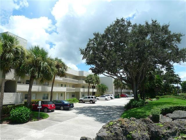 501 Forest Lakes BLVD #105, Naples, FL 34105 - #: 221038051