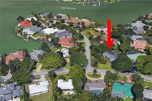 Photo of 3225 Crayton RD, NAPLES, FL 34103 (MLS # 221060083)