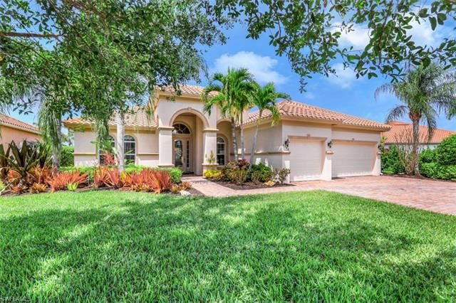 9746 Nickel Ridge CIR, Naples, FL 34120 - #: 221025098