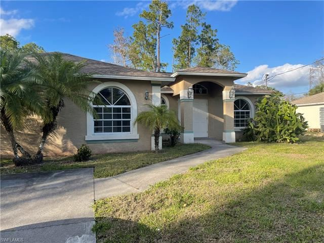 2521 22nd AVE NE, Naples, FL 34120 - #: 221024107