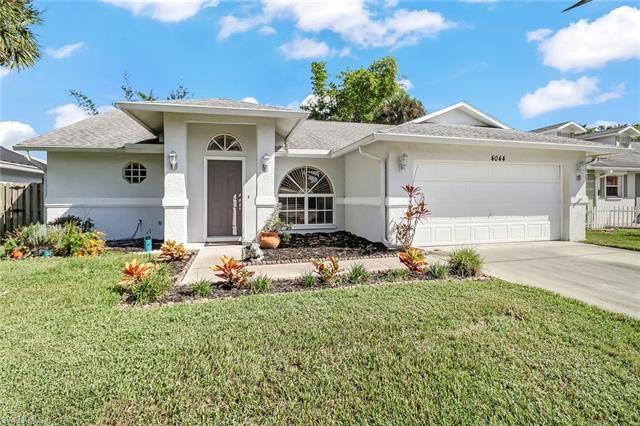 4044 Sawgrass LN, Naples, FL 34112 - #: 220071123