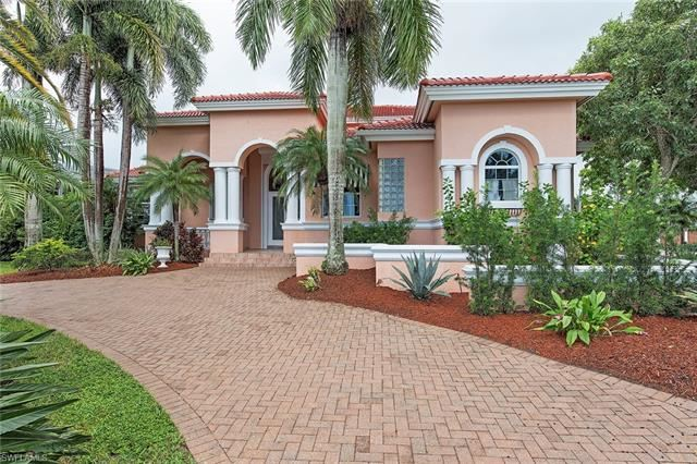 2089 Kingfish RD, Naples, FL 34102 - #: 220069161