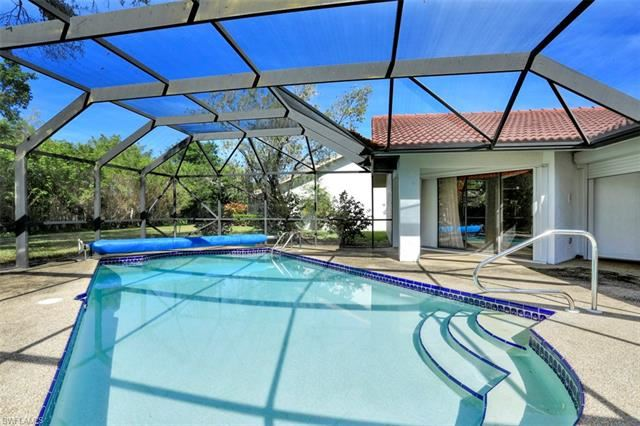 577 Countryside DR, Naples, FL 34104 - #: 220011169