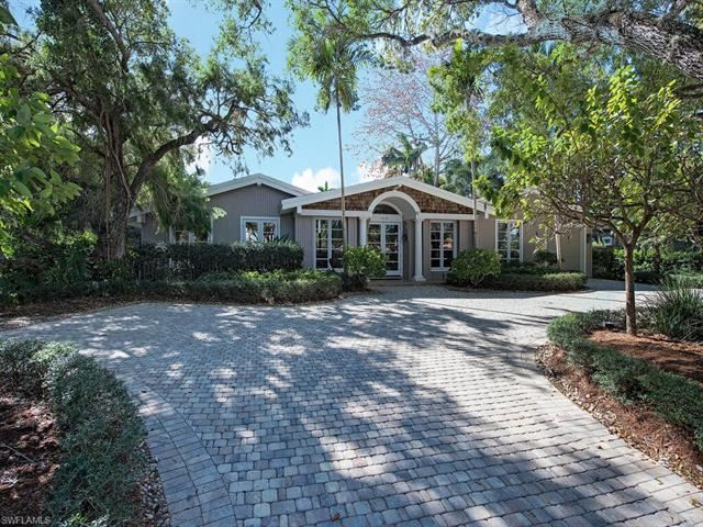 Photo of 168 2nd AVE N, NAPLES, FL 34102 (MLS # 221069197)