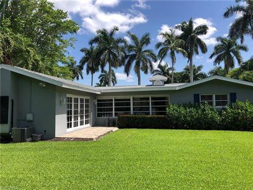 Photo of 424 Spinnaker DR, NAPLES, FL 34102 (MLS # 221045200)