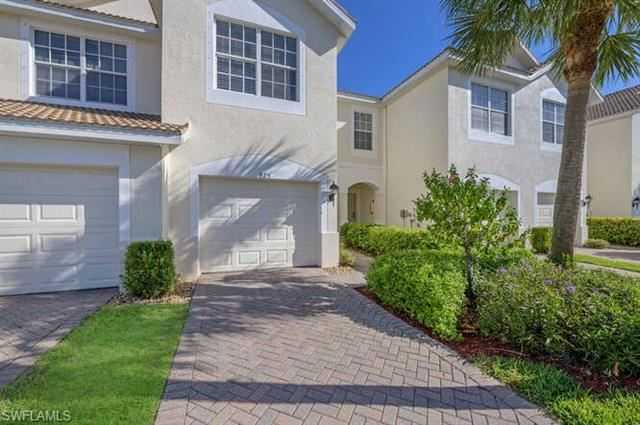 925 Hampton CIR #105, Naples, FL 34105 - #: 221020233