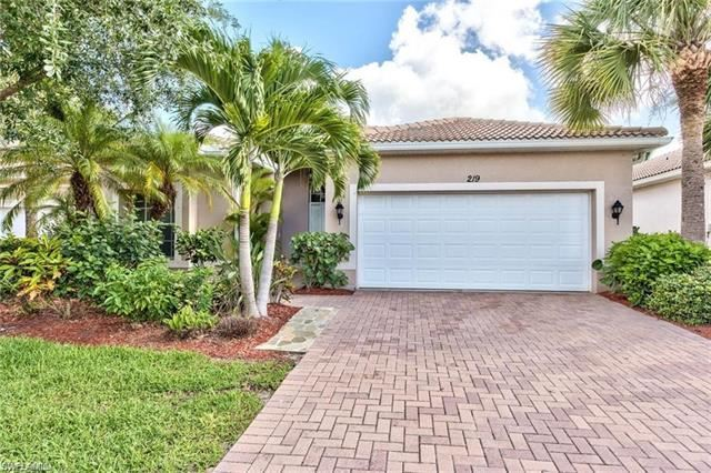 219 Glen Eagle CIR, Naples, FL 34104 - #: 220050250