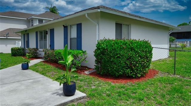Photo of 4634 Villa Capri LN, BONITA SPRINGS, FL 34134 (MLS # 221067270)