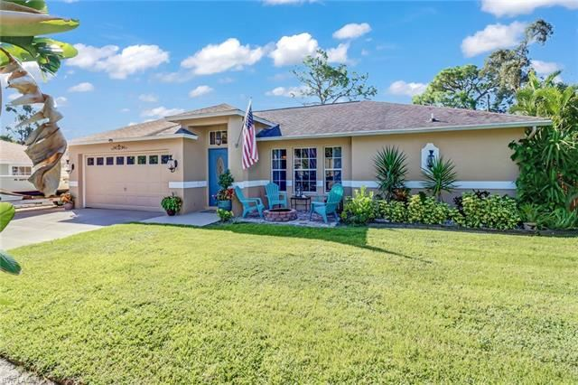 9184 Shaddock RD E, Fort Myers, FL 33967 - #: 221070295