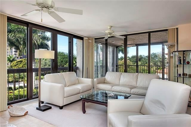 6000 Pelican Bay BLVD #C-103, Naples, FL 34108 - #: 220066332
