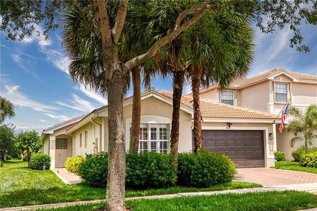 1638 Triangle Palm TER, Naples, FL 34119 - #: 221027376