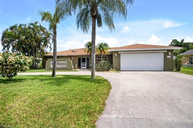 131 Willowick DR, Naples, FL 34110 - #: 221052379