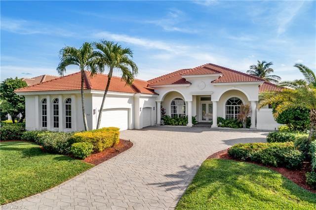 912 Glen Lake CIR, Naples, FL 34119 - #: 221003380